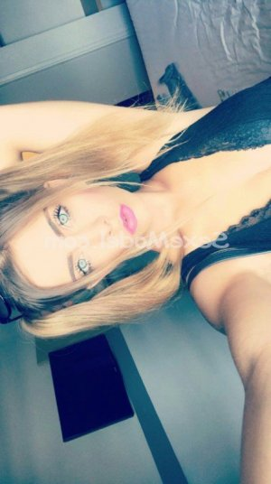Maneva tescort rencontre dominatrice escorte