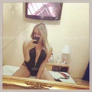 Alva escorte girl massage naturiste plan cul