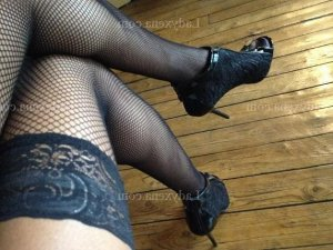 Shanone escorte girl fille libertine massage sexe au Mans