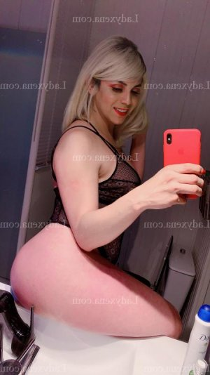 Elvyra escortgirl à Nancy